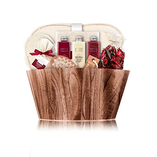 winter-in-venice-rich-plum-oval-bowl-luxurious-toiletries-infused-with-natural-fruit-and-plant-extra