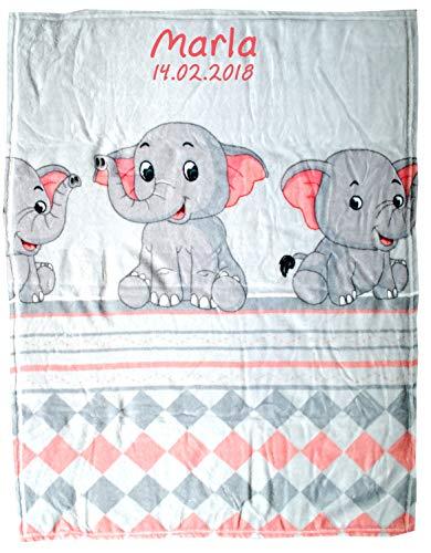 Wolimbo Flausch Babydecke mit Ihrem Wunsch-Namen und 3 Elefanten Motiv - personalisierte/individuelle Geschenke für Babys und Kinder zur Geburt, Taufe und Geburtstag - 75x100 cm (Taufe-decke)
