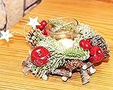 Dekoratives Adventsgesteck aus geflochten Holzzweigen mit Tannenzweigen Zapfen Äpfeln Beeren - mit Glas - Kerzenhaltern und LED -Teelichtern inklusive - eine perfekte Deko für Advent Weihnachten (14 x 14 x 8 cm mit 2 LED Teelichtern)