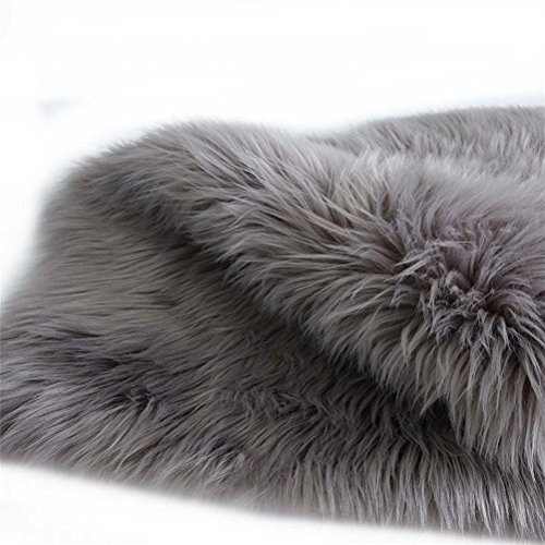 Faux Fur Sheepskin Rug 60 x 90 cm Faux Fleece Chair Cover Seat Pad Soft Fluffy Shaggy Area Rugs (Grey)