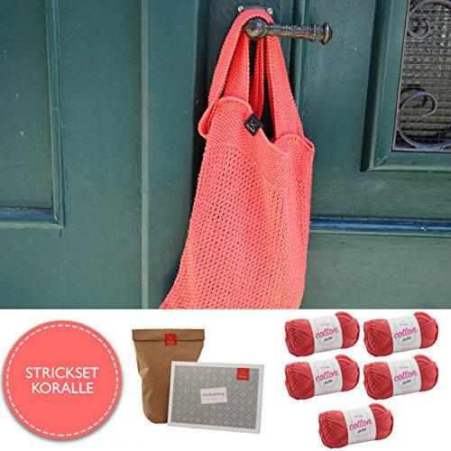MyOma Strickpaket Tasche * DIY Tasche Norderney * Strickset mit 5 Knäuel Cotton Pure Strickgarn Koralle (Fb 17) - Baumwolle Wolle + Strickanleitung + Gratis Label - Strickset