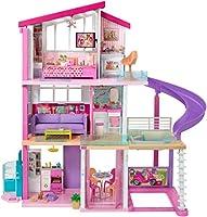 Quando l'immaginazione dei più piccoli entra nella Casa dei Sogni di Barbie, questo fantastico gioco si trasforma in una favola Alta 90 cm e larga più di 120 cm, la Casa dei Sogni di Barbie è ricca di sorprese: tre piani, otto stanze, tra cui...