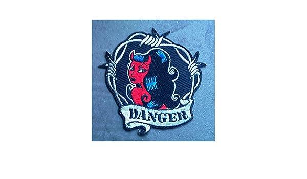 """Rockabilly-Pin-Up Patch mit Teufelin und Aufschrift /""""Danger/"""" und Stacheldraht Hotrodspirit"""