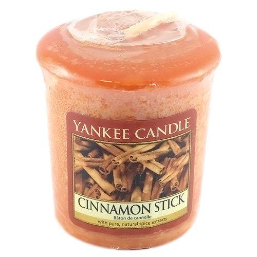 Yankee Candle 1055977E, Candela Profumata, Aroma Canella, Colore Rosso