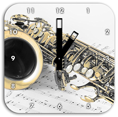 Saxophon auf Notenpapier Schwarz/Weiß, Wanduhr Quadratisch Durchmesser 28cm mit schwarzen eckigen Zeigern und Ziffernblatt, Dekoartikel, Designuhr, Aluverbund sehr schön für Wohnzimmer, Kinderzimmer, Arbeitszimmer