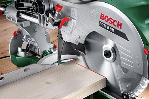 Bosch DIY Kapp- und Gehrungssäge PCM 8 SD mit Zugfunktion, 4x Seitenverlängerung, Kreissägeblatt Optiline Wood, Arbeitsklemme, Staubbeutel, Karton (1200 W, Kreissägeblatt Nenn-Durchmesser 216 mm) - 5