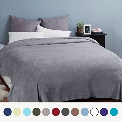 Kuscheldecke XXL flauschige Wohndecke Grau 270x230cm - Fleece Tagesdecke für Bett - hochwertige Decke warme weiche Microfaser Fleecedecke von Bedsure
