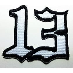 Parche con el número 13 en blanco y negro de 6 x 5,8cm, para pegar con plancha o coser de R.M.A.