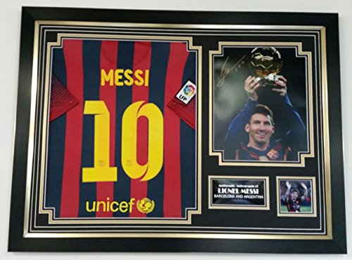 NEW-LIONEL-MESSI-of-Barcelona-Signed-Photo-and-Shirt-Display