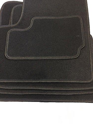 Tapis velours comprenant quatre parties en noir (O)