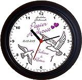 Lucky Clocks TAUBEN ZUM 1. Hochzeitstag PAPIERHOCHZEIT lila Wanduhren für jeden Anlass mit jeder Beschriftung und jedem Vornamen Namen erhältlich