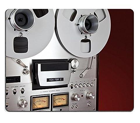 MSD Tapis de souris Image 30544469Photo d'une table de poker avec cartes de puces de jeu de casino et Whisky 4502
