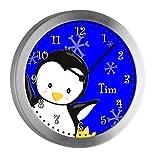 CreaDesign Kinder Funkwanduhr mit (Wunsch) Namen | Kinderzimmer Funkuhr| mit Analog ? Ziffernblatt | geräuscharm | Wanduhr ideal ALS Geschenk für EIN Kind | Motiv Pinguin