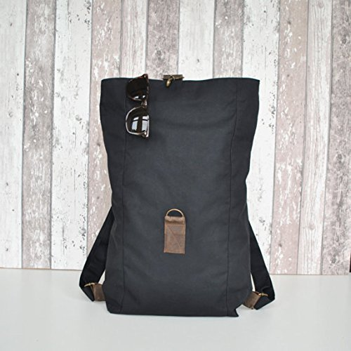 schwarzer canvas damen rucksack f r alles ger stet. Black Bedroom Furniture Sets. Home Design Ideas