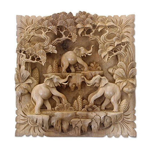NOVICA Jungle Living 'Holz Relief Panel (Relief Panel)