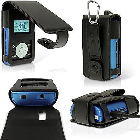 igadgitz Negro PU Cuero Funda Flip Carcasa para Grundig Micro 75 DAB+ Radio Portatil Piel con Cinturón Hebilla + Mosquetón & Protector de Pantalla