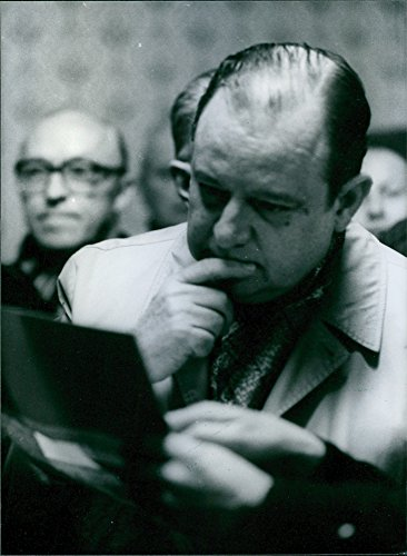 vintage-photo-of-french-politician-raymond-barre-reads-a-report-of-the-amoco-cadiz-oil-disaster-1978