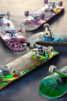 "Leinwand-Bild 40 x 60 cm: ""Old Skateboards"", Bild auf Leinwand"