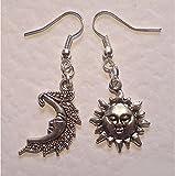 Luna de plata y Sun Pendientes de sol y luna Celestial asimétrica pendientes luna sonriente Happy Sun Dangling Pendientes