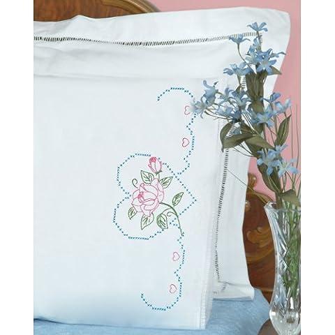 Jack Dempsey 1800380de Grabado de fundas de almohada con White Lace Edge 2/Pkg-Rose &, diseño de corazones