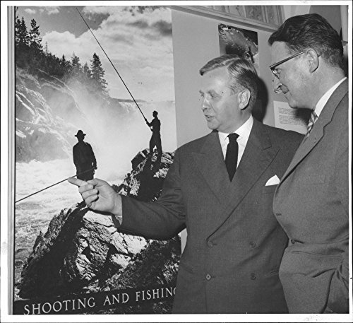 vintage-photo-of-dir-t-tallroth-and-landsantikv-h-beskow-at-one-of-lapland-pictures-at-the-exhibitio