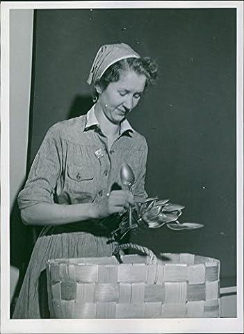 Vintage Photo de finnish- Russe Guerre 1939–40finlanda Femme de fixation les ustensiles