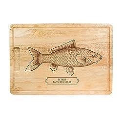 """Crazy Kitchen Schneidebrett aus Holz mit Gravur - """"Fang des Tages"""" - Personalisiert mit Namen - Motiv Fisch - Grillbrett, Holzbrett, Küchenbrett, Brotzeitbrett - Geschenkidee für Angler"""