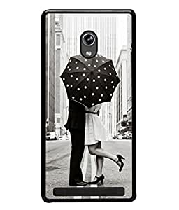 PrintVisa Designer Back Case Cover for Asus Zenfone 5 A501CG (Couple Romancing In Black And White)