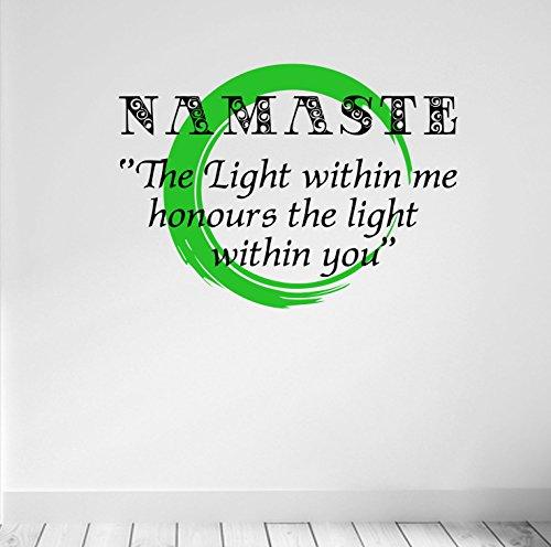Namaste. La luce dentro me Onora la