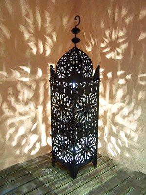 Orientalische Laterne aus Metall Schwarz Frane 90cm groß | Marokkanische Gartenlaterne für draußen, Innen als Bodenlaterne | Marokkanisches Gartenwindlicht Windlicht hängend oder zum hinstellen