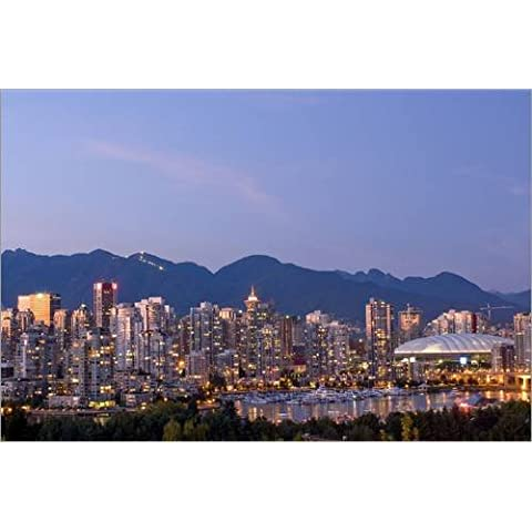 Stampa su legno 130 x 90 cm: Skyline of the city Vancouver, British Columbia, Canada di E. O. Reed / Danita Delimont