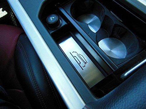 Interieur Staufach in der Mittelkonsole Emblem Stahlabdeckung für 2011-2018 Evoque - 1 Stück Emblemabdeckung Platte Edelstahl Gebürstet Blenden Cockpit Dekor Mass Angefertigt