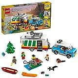 LEGO® Creator 3-in-1 Familievakantie met caravan; kampeervakantie bouwset voor kinderen (766 onderdelen)