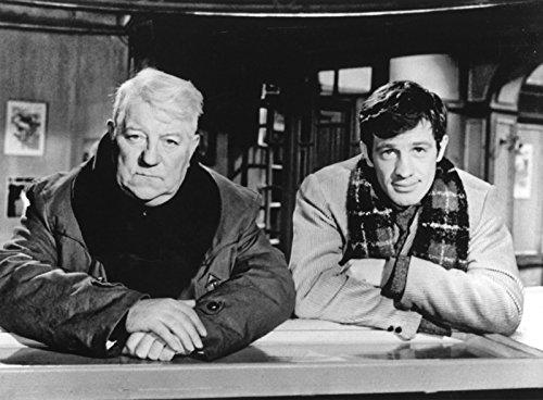 Photographie Noir et Blanc de Jean Gabin et Jean Paul Belmondo dans le film Un Singe en Hiver (30x40 cm)