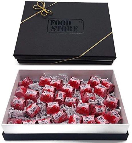 Preisvergleich Produktbild Ferrero Mon Cherie - kleines Geschenkset mit 30 Pralinen - die kleine Kostbarkeit für Ihre Liebsten,  perfekt zum verschenken,  Lieferung mit hochwertigem Geschenkkarton