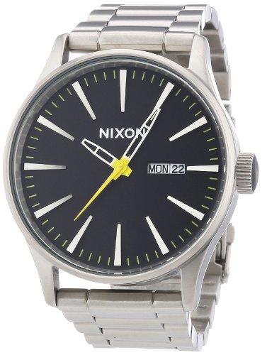 Nixon Sentry SS A3561227-00 – Reloj analógico de cuarzo para hombre, correa de acero inoxidable chapado color plateado (agujas luminiscentes, cifras luminiscentes)