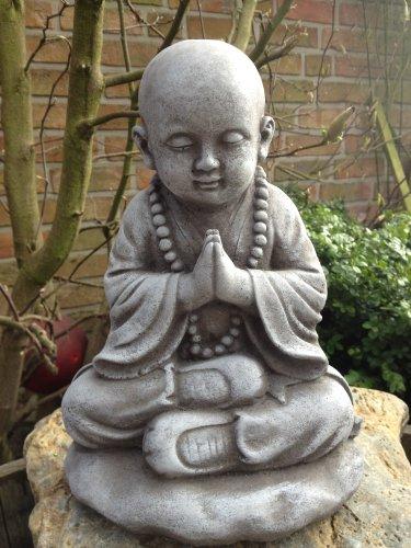 Steinfigur Buddha Figur Skulptur Garten Deko-Koi Teich Gartenfiguren SteingussSteinfigur Buddha Figur Skulptur Garten Deko-Koi Teich Gartenfiguren Steinguss