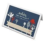 50 ausgefallene Tischkarten im Vintage Design - Schön, dass du da bist - BLAU mit Blumen im Scherenschnitt Design, Namenskarten, Platzkarten zum beschriften für Hochzeit, Hochzeitsfeier, Geburtstag, Familienfeier und Jubiläum, Tischdeko aus Recyclingpapier co2 neutral