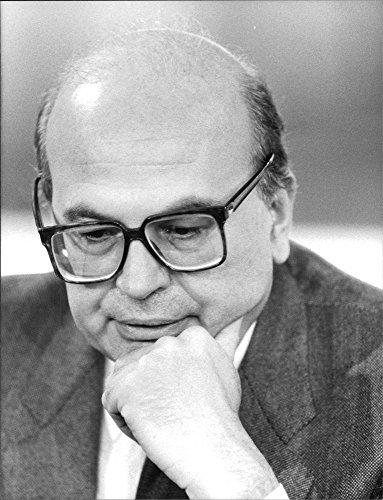 vintage-photo-of-italian-prime-minister-bellino-krovi