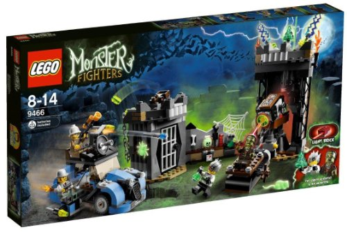 LEGO-Monster-Fighters-9466-The-Crazy-Scientist-and-His-Monster