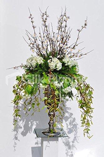 cherry-blossom-grand-blanc-et-blanc-flora-florale-avec-drapage-feuillage
