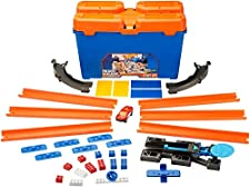 Hot Wheels DWW95 Track Builder Stunt Box, Connectable Tracks and Mini Toy Car with Track Set