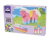 Box 3 en 1 contenant 480 pièces de Mini-Basic pour réaliser 3 constructions selon les modèles glissés dans la boite montrant les étapes de construction Cette box vous permet de créer pas à pas un chateau de princesse, un bateau et un cheval ! Fabriqu...