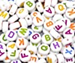 "100 x Mixed Coloured White Flat Coin Round Alphabet Letter ""A-Z"" Acrylic Spacer Beads 7mm - Findings Crafting Beading Jewellery Making"