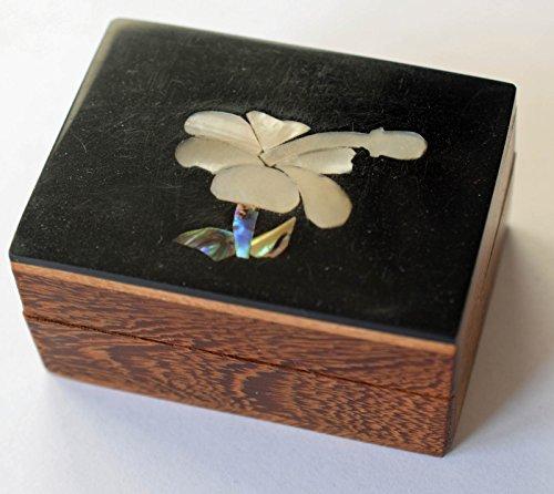 hibiscus-multi-inserto-in-conchiglia-portagioie-in-legno-per-gioielli