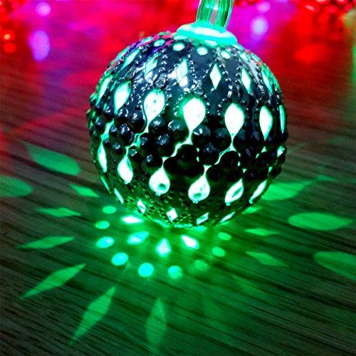 Gifts 4 All Occasions Limited SHATCHI-1204 SHATCHI - Faros de Navidad (4,3 m, funciona con pilas, 20 bolas de luz LED marroquíes, multicolor, decoración para fiestas en el hogar)
