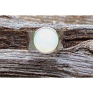 Bottled Up Designs Aufbereiteter Weinlese-weißer Milchglas-kalter Cremetiegel-Glasedelstein-justierbarer Ring