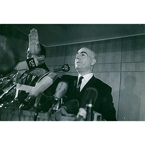 Vintage photo de griego Militar hombre Stylianos Pattakos da su discurso, 1967.
