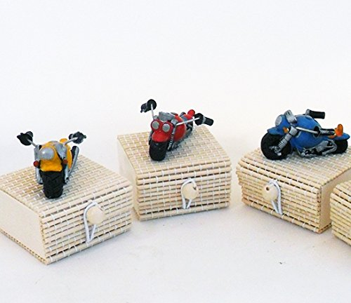 Dlm24405 scatoline in bambu con moto in resina (24 pezzi) bomboniera