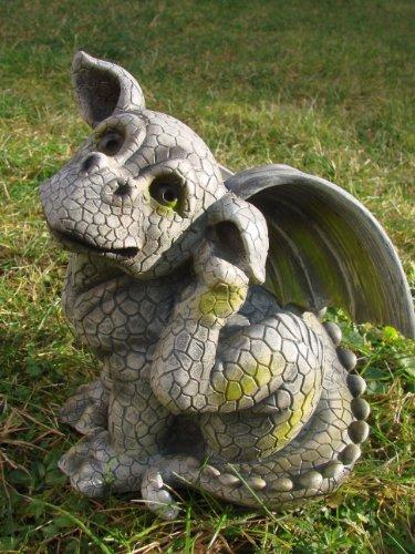 Drachenkind kratzt sich - Gargoyle Figur